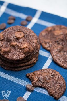 These Melt-in-Your-Mouth Buttermilk Chocolate Cookies are a supremely chocolatey dessert recipe that is a great way to use a partial container of buttermilk - guaranteed to satisfy even the strongest chocolate cravings. Buttermilk Cookies, Buttermilk Recipes, Easy Cookie Recipes, Dessert Recipes, Desserts, No Bake Cookies, Cake Cookies, Chocolate Fudge Cookies, Macaron Recipe