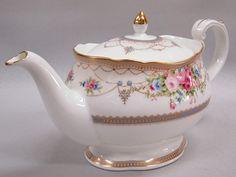 Noritake Aphrodite (Pink Rose) Teapot