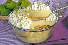 O Pavê de Limão Trufado é uma sobremesa fácil de fazer e deliciosa. Faça para a sua família e receba muitos elogios! Veja Também: Pavê Mousse de Coco Veja