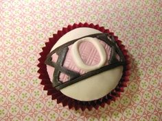 xox cupcakes - fondant decorations
