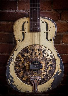Old Resonator Guitar - Canvas