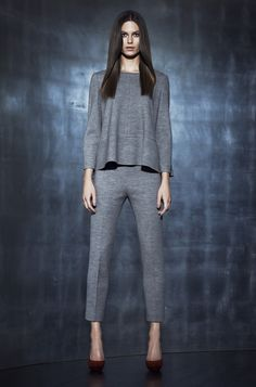 Simple is beautiful - La Mania Laura Mercier, Jumpsuit, Normcore, Chic, How To Make, Passion, Beautiful, Simple, Dresses