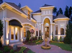 Beautiful Houses in Florida  with luxury garden