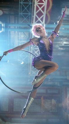 Zendaya in The Greatest Showman Estilo Zendaya, Zendaya Style, Aerial Dance, Aerial Hoop, Disney Star Wars, Movies And Tv Shows, Movies Showing, Art Du Cirque, Zendaya Coleman