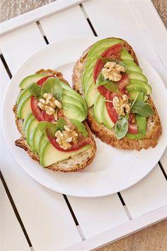 Esta es la dieta para adelgazar 10 kilos sin pasar hambre Dieta Dash, Healthy Tips, Healthy Recipes, Avocado Toast, Beverages, Menu, Cooking, Breakfast, Food