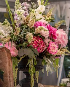 Stunning floral arrangements at Anne & Jeremy's wedding thanks to @chanelerose_flowers   Wedding coordinator / Stylist @brookes_wedding_planning  Photography @snicerweddingphotography | #weddingplanner #eventstylist #brookesweddingplanning #weddingdecor #weddingflowers #bridalbouqet #flowerarrangement #sydneywedding #weddinginspo #instawedding #flowers #followback #instafollow #vintagewedding #lindesayhouse #summerwedding #hydrangeas #peonies #sydneyflorist #bridebook