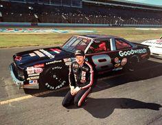 Dale Earnhardt - Busch sportsman at Charlotte Motor Speedway Dale Earnhardt Crash, Taylor Earnhardt, Nascar Autos, Nascar Racers, Terry Labonte, The Intimidator, Old Race Cars, Motor Speedway, Vintage Racing
