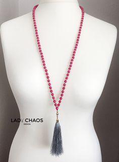 Ketten lang - Halskette mit Quaste ★ Holzperlen ★ Pink - ein Designerstück von lady_chaos bei DaWanda