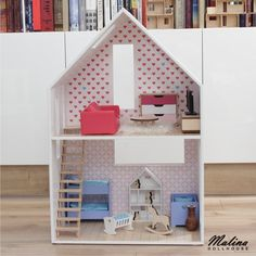 "Polubienia: 27, komentarze: 1 – Malina Dollhouse (@malina_dollhouse) na Instagramie: ""Dollhouse made by me in 1:6 scale. Everything is handmade with atention to every detail.…"""