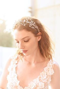Silver headband or a crown, also available in gold tone. A great hair accessory for a rustic woodland bride or for a special occasion. The wired pip berries are sprayed and wired together. The headpiece ties in the back with white or ivory chiffon ribbons.  Great gift for bridesmaids too. Silver Headband, Bridesmaid Gifts, Bridesmaids, Great Hair, Bridal Headpieces, Special Occasion, Great Gifts, Chiffon, Ivory