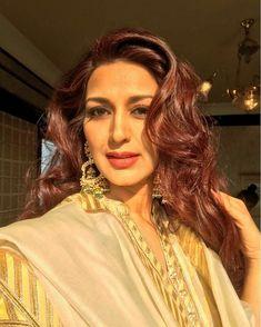 Actress Sonali Bendre diagnosed with high grade cancer Bollywood Actress, Cancer, Sari, Actresses, Elegant, Stylish, Beautiful, Fashion, Saree
