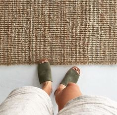 Made from the softest Suede, Suede lining and a rubber non-slip sole. The Yuka Olive Suede Slide is the ultimate go anywhere shoe for summer. Effortless for sunny days to balmy nights.