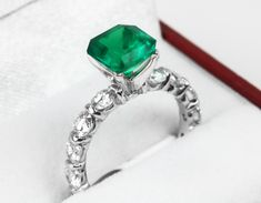 Square cut 2.05 Cts heirloom Colombian Emerald. Dark vivid green color with minor ceder oil. What setting do you think it will showcase best 🤔? #emeralds #emerald #colombianemerald #looseemerald #loosegemstone #maybirthstone #colombianemeralds #emeraldring #emeraldpendant #sqaurecut #emeraldjewelry