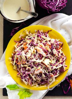 Clean Eating Diet Clean Eating Coleslaw Recipe -- Made with Greek yogurt instead of mayo, this creamy and healthy coleslaw is on my summer party menu. Healthy Coleslaw Recipes, Vegan Coleslaw, Vegetarian Recipes, Coleslaw Recipe Greek Yogurt, Healthy Coleslaw Dressing, Healthy Family Meals, Healthy Snacks, Clean Eating Diet, Veggies