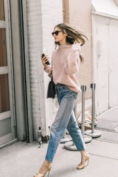 Update your jean outfit combinations with our favorite denim looks that will never go out of style. Get inspired inside.