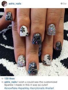 Christmas snowflake winter acrylic nails by @adris_nails