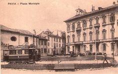 Pavia, piazza del Municipio, inizio XX secolo.