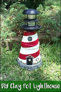 Looking for a simple project to decorate your yard? Make this cute lighthouse from clay pots!