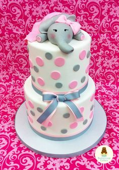 So you have picked an elephant baby shower theme. This is one of the most popular baby animal themes that new moms and dads choose for their baby shower parties. Baby elephants are… Torta Baby Shower, Elephant Baby Shower Cake, Elephant Cakes, Elephant Theme, Pink Elephant, Baby Cakes, Girl Cakes, Cupcake Cakes, Shower Bebe