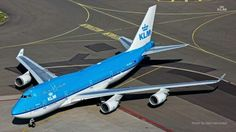 KLM Boeing photo by Dion Vercoulen International Civil Aviation Organization, Airport Design, Boeing 747 400, Sun Lounger, Netherlands, Amsterdam, Skateboard, Dutch, Aircraft