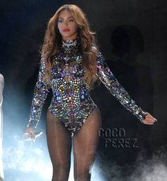 Beyoncé's Colorful Leotard Almost Steals The Show During Her MTV Video Music Awards Performance!