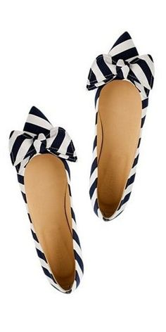 striped bow flats // j.crew- for the honeymoon flight perhaps? Cute Flats, Bow Flats, Cute Shoes, Me Too Shoes, Pointy Flats, Pretty Shoes, Beautiful Shoes, Black And White Flats, Striped Flats