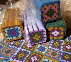 Unbaked fimo canes for polymer clay granny square afghan pattern Cane Fimo, Polymer Clay Canes, Fimo Clay, Polymer Clay Projects, Polymer Clay Creations, Clay Crafts, Polymer Beads, Polymer Clay Jewelry, Clay Tutorials