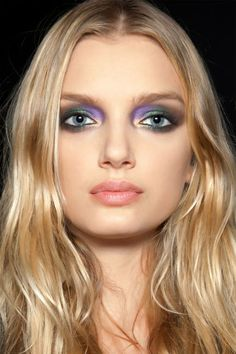Pat McGrath is the go-to catwalk makeup guru, and we rounded up her best runway beauty looks. Makeup Trends, Eye Trends, Beauty Trends, Hair Trends, Beauty Hacks, Catwalk Makeup, Runway Makeup, Dior Beauty, Beauty Makeup