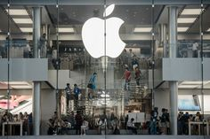 Apple gets bruised as analysts see slower growth