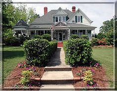 Morning Glory Inn in Clayton NC is a magnificent 6400 square foot Victorian that was built in 1907.