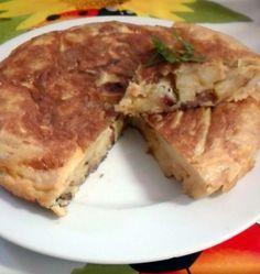 Tortilla de patatas con cebolla y chorizo | Cocina