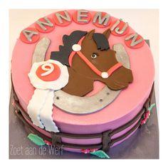 Horse Cake, Babyshower, Birthday Cake, Desserts, Food, Baby Shower, Birthday Cakes, Meal, Baby Sprinkle