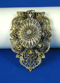 1900s Gold Plated Filigree Floral Dress Clip Flower Center, Vintage Outfits, Vintage Clothing, Silver Filigree, Amazing Flowers, Floral Design, Metal, Quilling, My Style