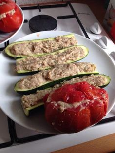 poivre, oeuf, lait, courgette, Viandes, tomate, jambon blanc, oignon, huile d'olive, ail, pain de mie, sel