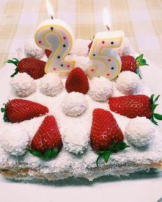 Torta Raffaello  #HappyBirthdayToMe  #ChiaraLosh #ChiaraLoshBirthday #HappyBirthday #birthday #cake #Raffaello #25