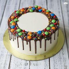 Likes, 5 Kommentare – Irina … - Birthday Cake Easy Ideen Oreo Cake Recipes, Chocolate Oreo Cake, Decoration Patisserie, Easy Cake Decorating, Candy Cakes, Drip Cakes, Food Cakes, Buttercream Cake, Creative Cakes