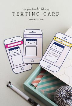 FREE Printable Texting Card | DESIGN IS YAY!