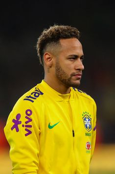 Neymar Jr of Brazil during the International Friendly match between Brazil and Uruguay at Emirates Stadium on November 2018 in London, England. Get premium, high resolution news photos at Getty Images Neymar Wallpaper, Neymar Jr Wallpapers, Football Hairstyles, Neymar 11, Lionel Messi Barcelona, Blazer Outfits Men, Messi And Ronaldo, Cool Mens Haircuts, Football Players