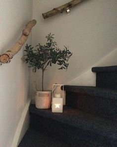Bring Nature Into the House: 16 DIY Craft Ideas with Branches - Page 8 of 16 - DIY Handicraft Ideas Living Room Inspiration, Interior Inspiration, Interior Stairs, Banisters, House Stairs, My Dream Home, Home And Living, Decoration, Sweet Home