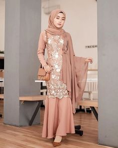Dress Hijab Long Muslim Ideas For 2019 Dress Brokat Muslim, Dress Brokat Modern, Kebaya Modern Dress, Kebaya Dress, Dress Pesta, Muslim Dress, Kebaya Hijab, Kebaya Muslim, Hijab Prom Dress