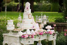 Risultati immagini per cake table
