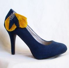 SUMMER SHOE CLIPS - 1 Pair of Yellow and Navy Peacock Shoe Clips