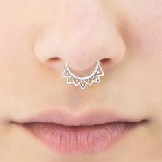 VALENTINE SALE Tribal Septum Ring for pierced por Umanativedesign