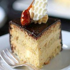 [DB] Cashew genoise cake, cashew buttercream praline, salted butter caramel and dark chocolate glaze. Coffee Cake Cookies, Genoise Cake, Praline Cake, Dessert Recipes, Desserts, Drink Recipes, Cake Recipes, Chocolate Delight, Rustic Cake