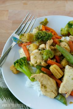 No Fail Stir Fry: This quick and easy stir fry uses frozen vegetables and a savory sauce your whole family will enjoy. Even my kids love this one - Eazy Peazy Mealz