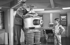 Danger, Will Robinson! Check out these rare pics from Lost in Space. Space Tv Series, Space Tv Shows, Robinson Family, Mix Photo, Those Were The Days, Lost In Space, Classic Tv, Movie Tv, Nostalgia