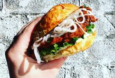 21 Yummy Foods For Under $10 To Try In Toronto This Summer #Toronto #Thingstodo