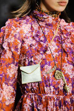 Giambattista Valli Fall 2018 Ready-to-Wear Collection - Vogue