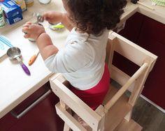Mit dem IKEA BEKVÄM Lernturm zeigen wir euch einen tollen neuen IKEA Hack, der kleine neugierige Nasen ganz oben mitspielen lässt. Schaut rein! Montessori Bedroom, Montessori Toddler, Baby Play, Baby Toys, Ikea Hacks, Learning Games For Kids, Baby Sensory, Baby Education, Baby Games
