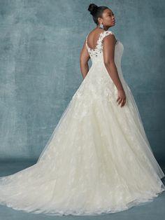 Maggie Sottero Wedding Dress Francette plus-back Sottero And Midgley Wedding Dresses, Top Wedding Dresses, Wedding Dress Sleeves, Perfect Wedding Dress, Bridal Dresses, Lace Dress, Lace Wedding, Dream Wedding, Vestidos Plus Size